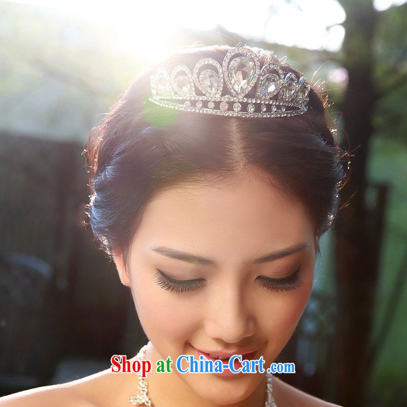 The bride bridal headdress bridal accessories bridal jewelry and ornaments marriage Crowne Plaza 108