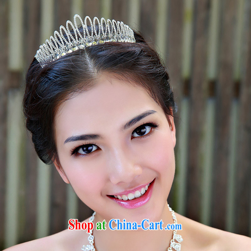 The bride bridal headdress bridal accessories bridal jewelry and ornaments marriage Crowne Plaza 111