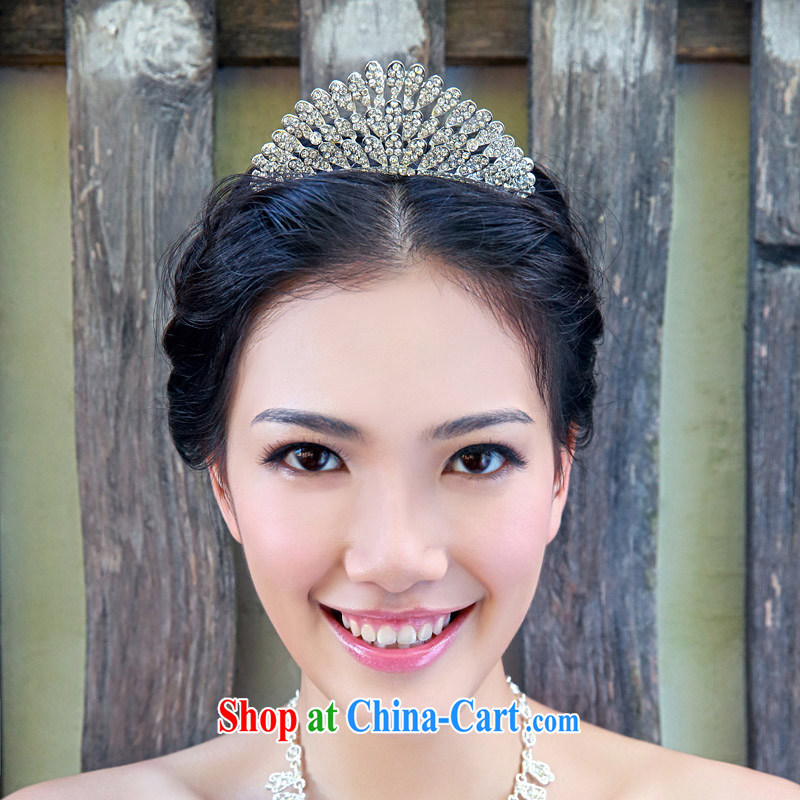 The bride bridal headdress bridal accessories bridal jewelry and ornaments marriage Crowne Plaza 107