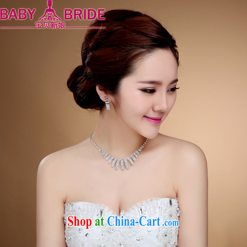 High quality Zircon bridal necklace photography stage banquet with white